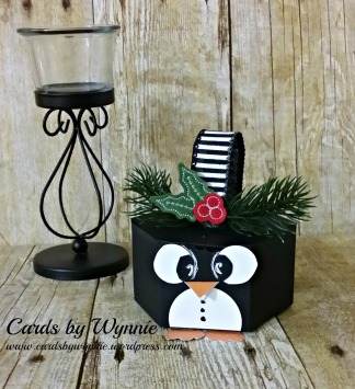 penguin treat box w